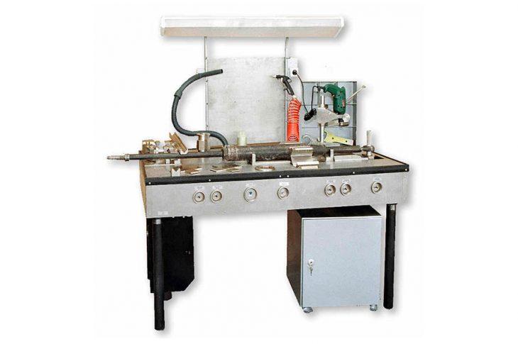Стол для ремонта автоматических регуляторов тормозных рычажных передач РТРП1