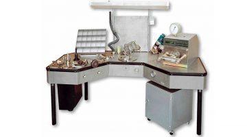 Стол ремонта и проверки главной части воздухо-распределителей СГВР1